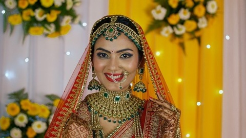 Beautiful Indian bride wearing a big nose ring - Hindu wedding