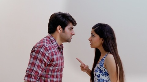 Indian boyfriend-girlfriend facing conflicts while living in a live-in relationship