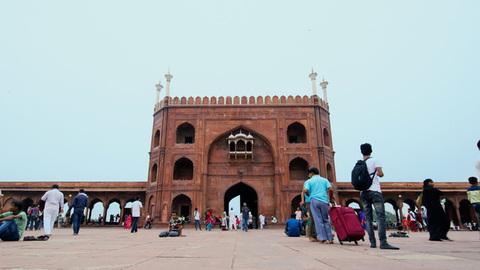 Timelapse of jama masjid's entrance gate in Delhi, India