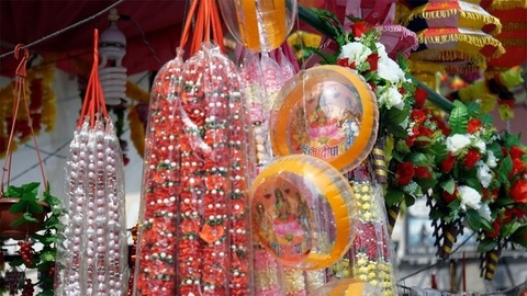 Closeup shot of Diwali decoratives in an Indian street market of Delhi/NCR, India